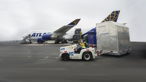 F1 Logistik - Flugzeug - GP Mexiko