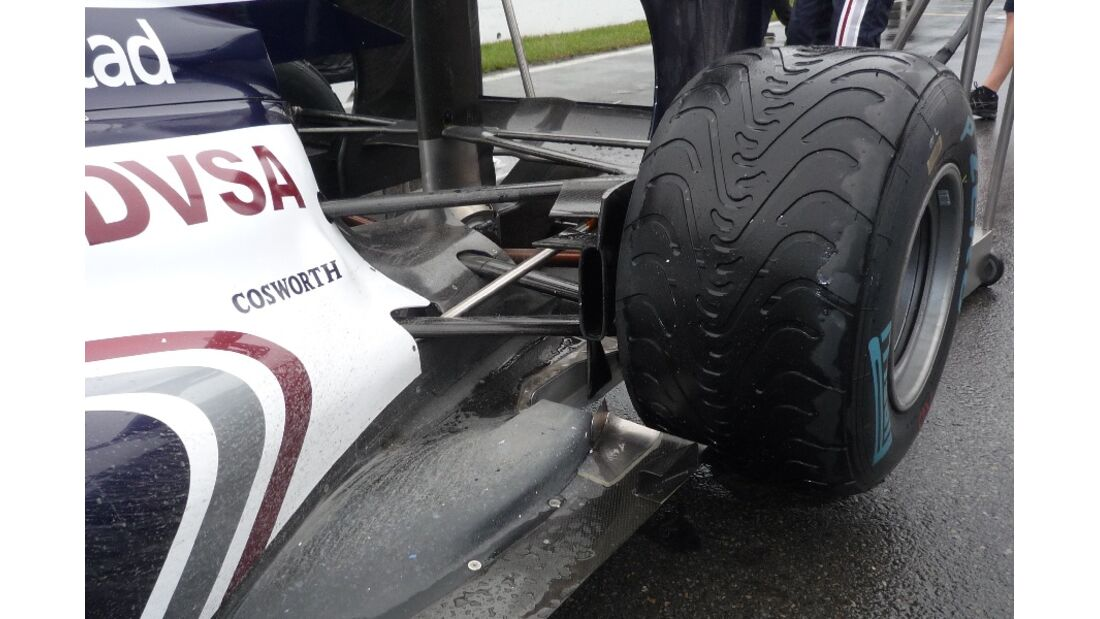 F1-Technik 2011 - Auspuff Williams