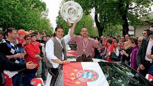FC Bayern München Autokorso Lamborghini Gallardo Spyder