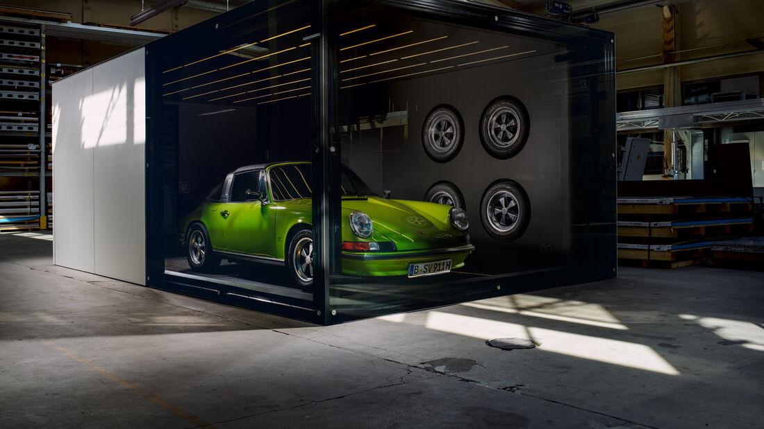 Https Imgr1 Auto Motor Und Sport De Fahrengold Garage Glas Aluminium Luxus 169fullwidth D2c7f553 1614823 Jpg