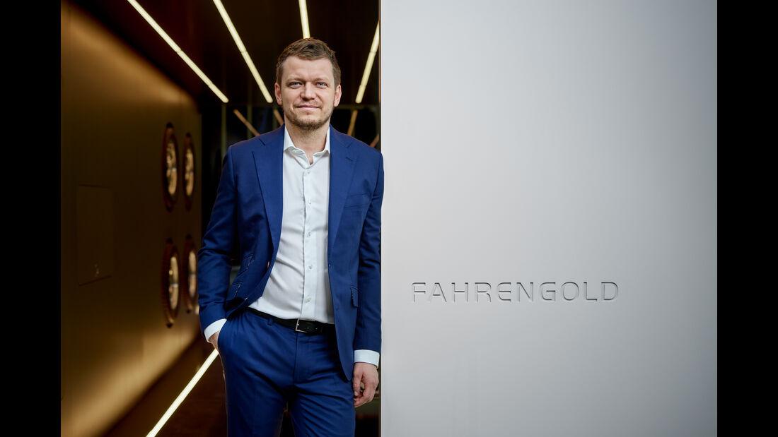 Fahrengold Garage Glas Aluminium Luxus