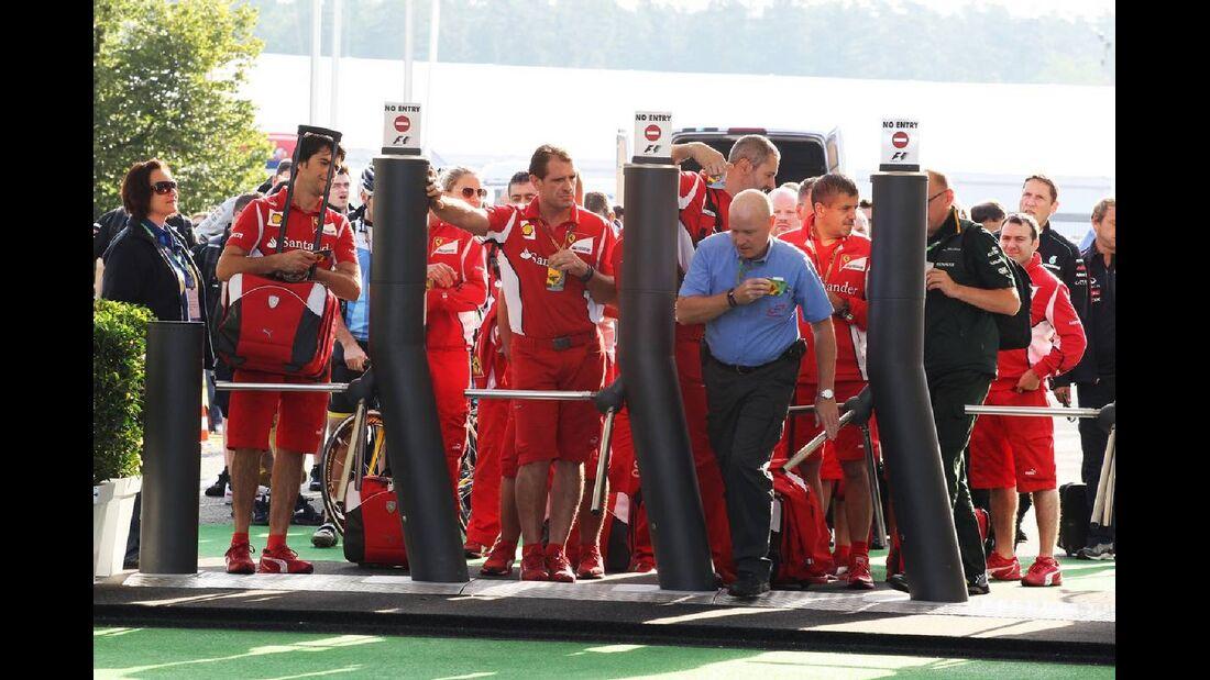 Fahrerlager Eingang - Formel 1 - GP Deutschland - 21. Juli 2012