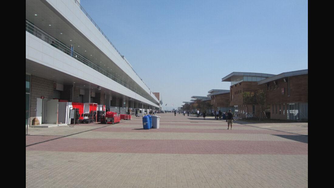 Fahrerlager - Formel 1 - GP Korea - 13. Oktober 2011