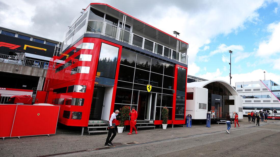 [Imagen: Fahrerlager-GP-Belgien-Spa-Francorchamps...718561.jpg]