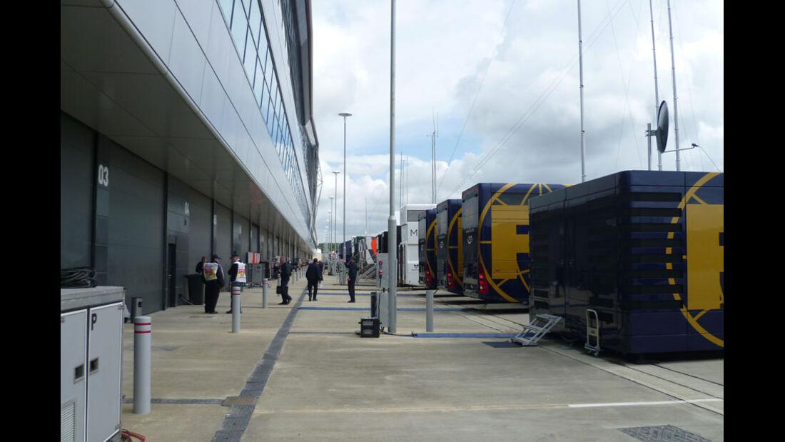 Fahrerlager - GP England - Silverstone - Do. 7. Juli 2011