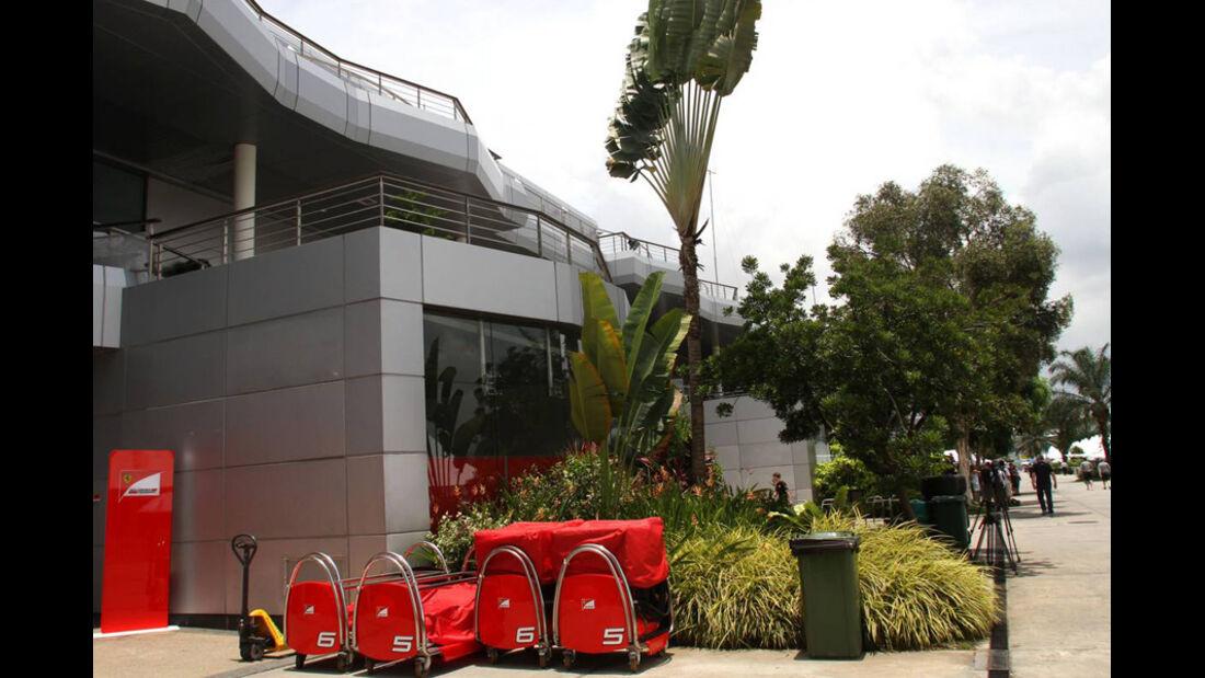 Fahrerlager - GP Malaysia 2011