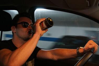 Im Auto ausnüchtern, Handy am Ohr - Was ist erlaubt?