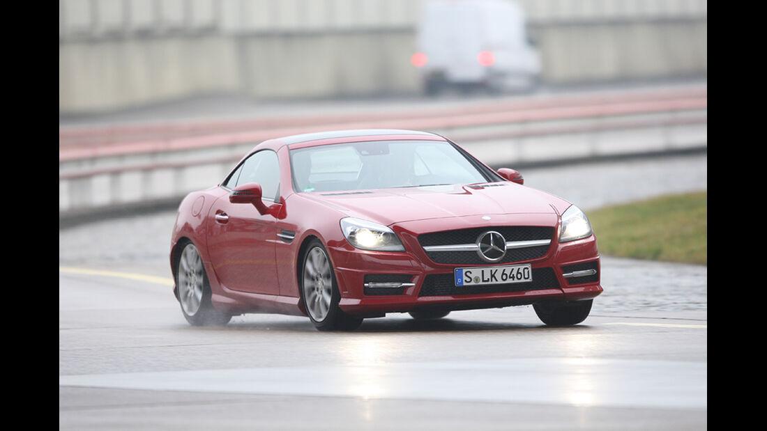 Fahrwerke im Vergleich, Mercedes SLK mit Adaptiv-Fahrwerk