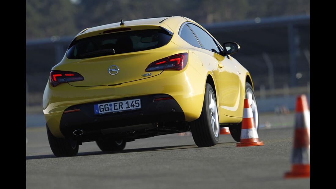 Fahrwerke im Vergleich, Opel Astra mit Adaptiv-Fahrwerk