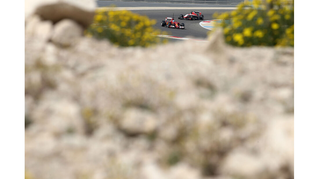 Fernando Alonso - Ferrari - Jules Bianchi - Marussia -  Formel 1 - Test - Bahrain - 28. Februar 2014