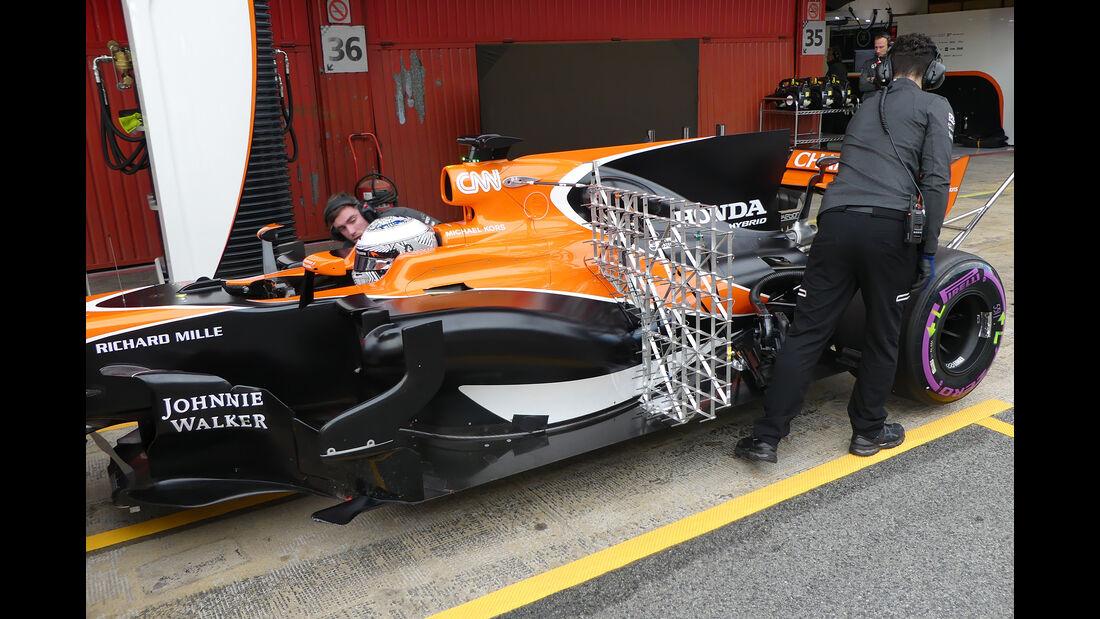 Fernando Alonso - McLaren - Formel 1 - Test - Barcelona - 1. März 2017