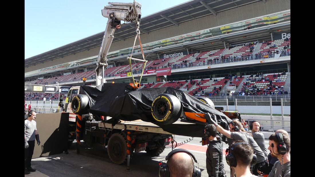 Fernando Alonso - McLaren - Formel 1 - Test - Barcelona - 10. März 2017