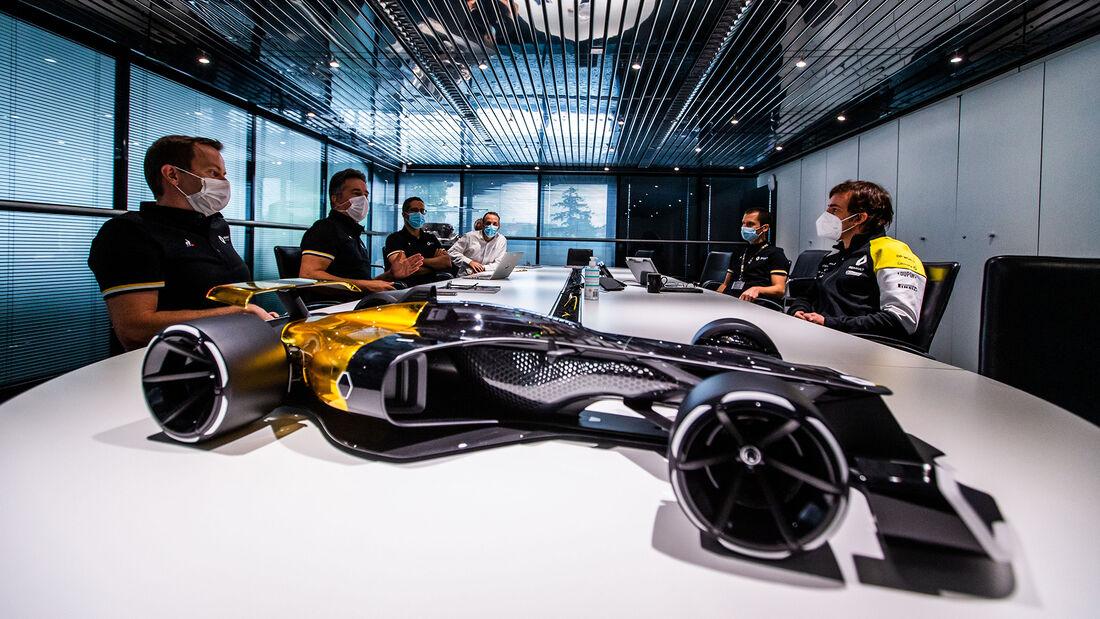 Fernando Alonso - Renault - Comeback - 2020