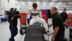 Fernando Alonso - Sitzanpassung - Indy500 - Andretti