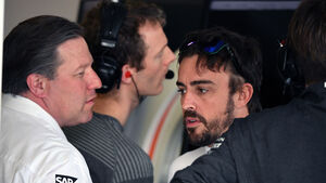 Fernando Alonso - Zak Brown - McLaren