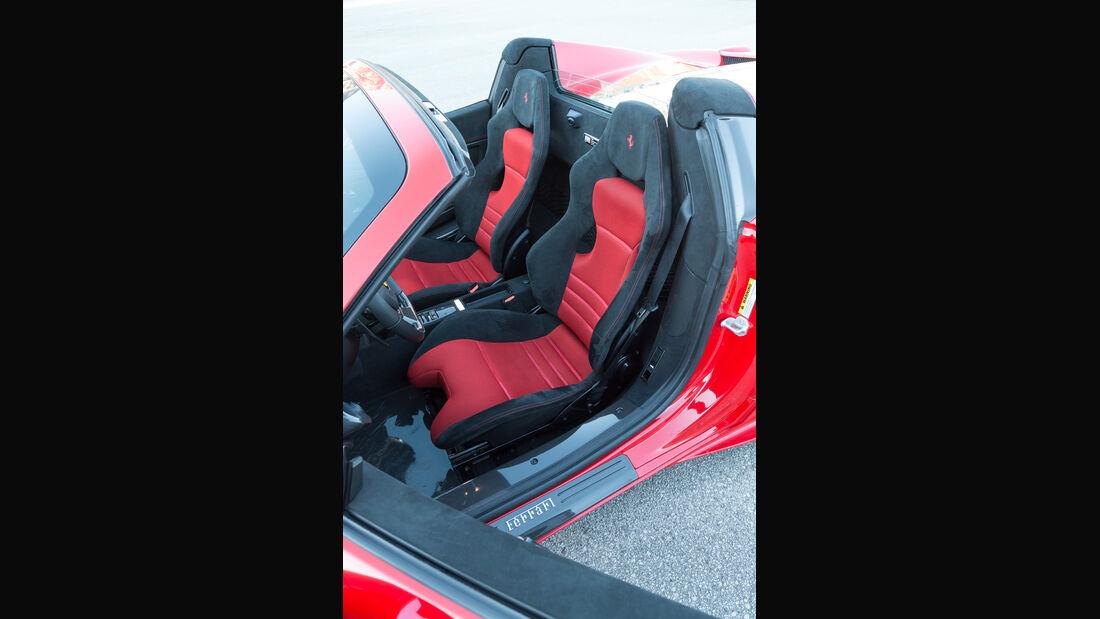 Ferrai 458 Speciale A, Fahrersitz