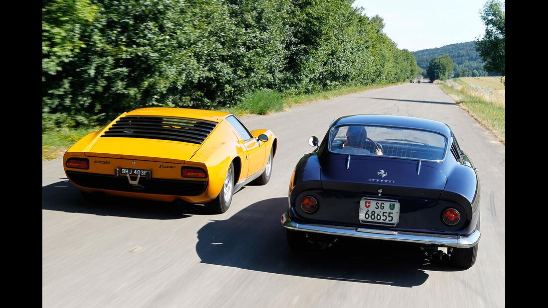 Ferrari 275 GTB/4, Lamborghini Miura P 400, Heckansicht
