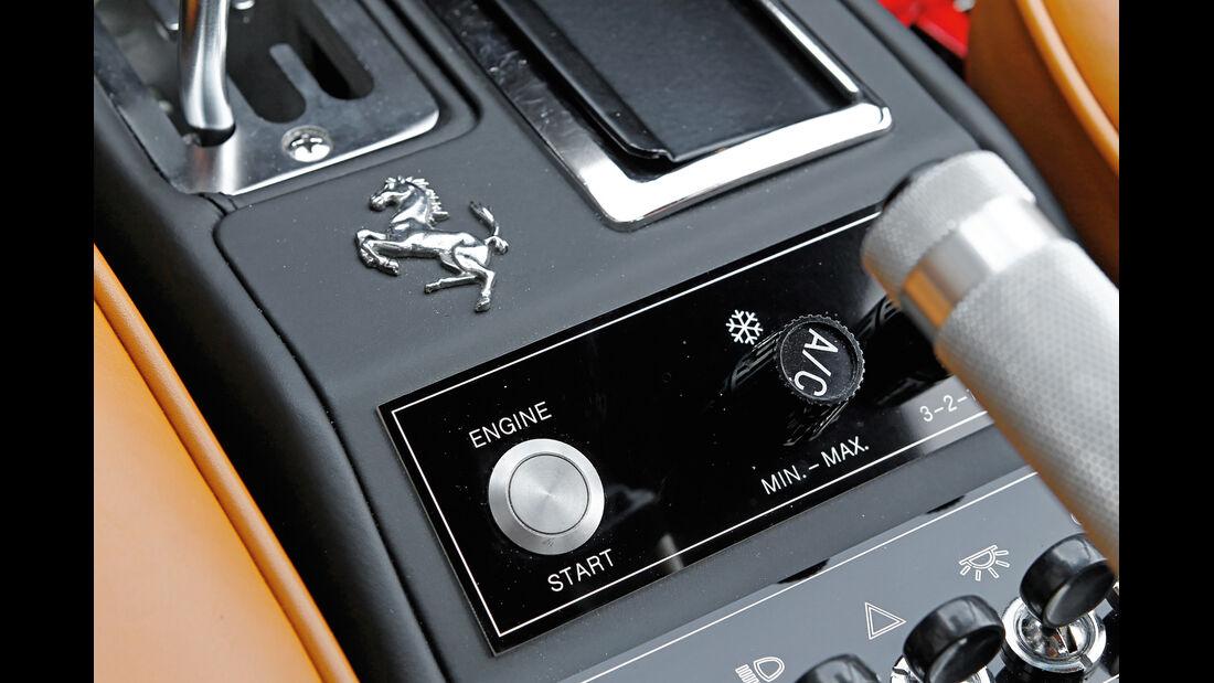 Ferrari 308 GTB, Startknopf, Emblem