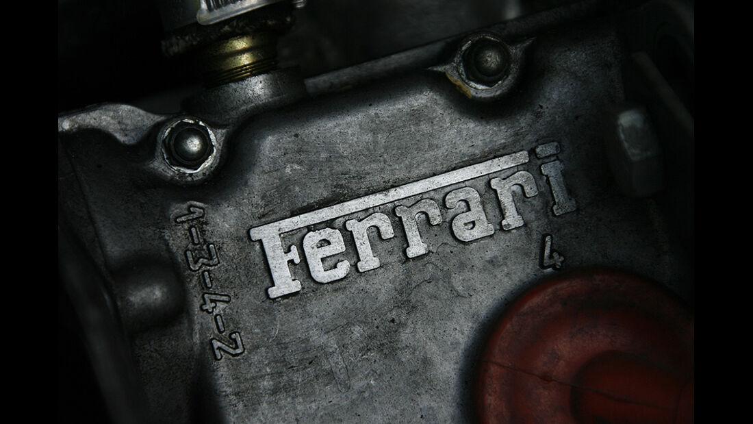 Ferrari 308 GTS, Schriftzug