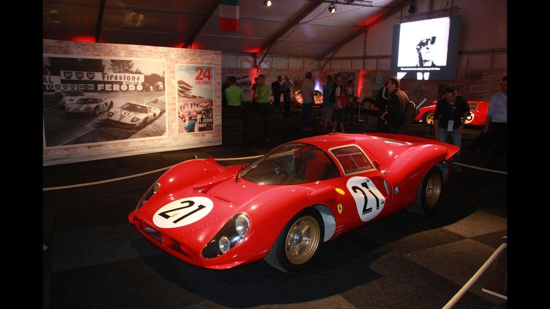 Ferrari 330 P4 #21 1967 - Ausstellung - Le Mans