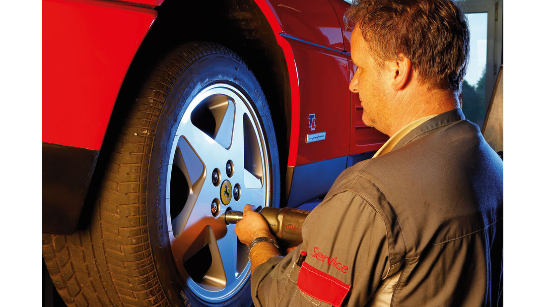 Ferrari 348 TB, Rad, Radwechsel