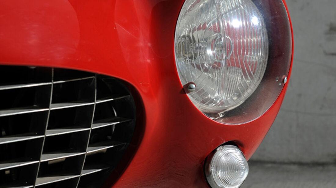 Ferrari 375 MM Spider, Kühlergrill, Scheinwerfer