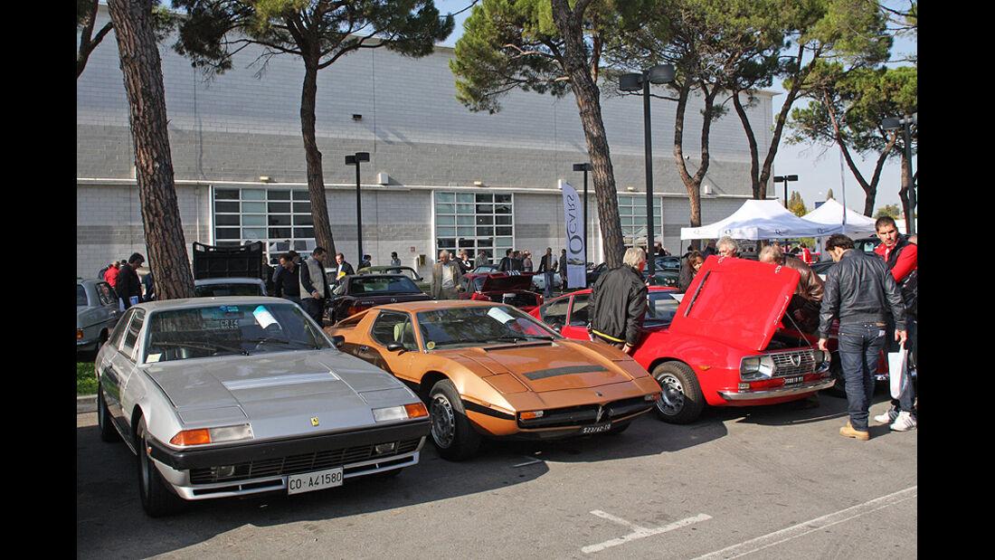 Ferrari 400 i von 1982 für 29.500 Euro, Maserati Merak 2000 GT von 1978 für 25.500 Euro und Lancia Fulvia Sport Zagato 1.3 Leva Lunga von 1968 für 14.500 Euro