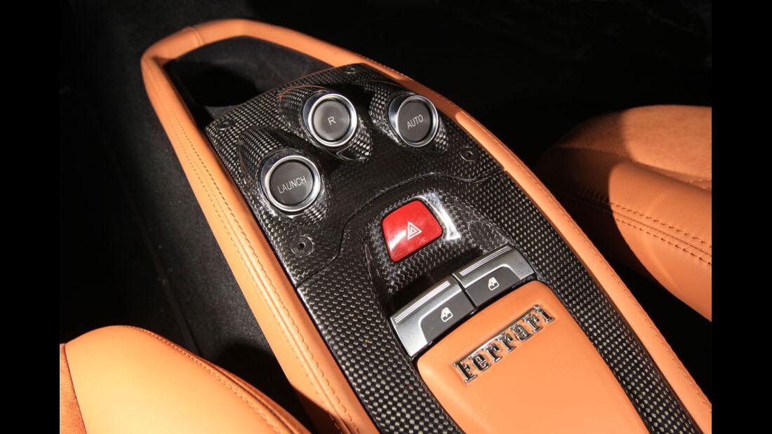 Ferrari 458 Italia, Mittelkonsole