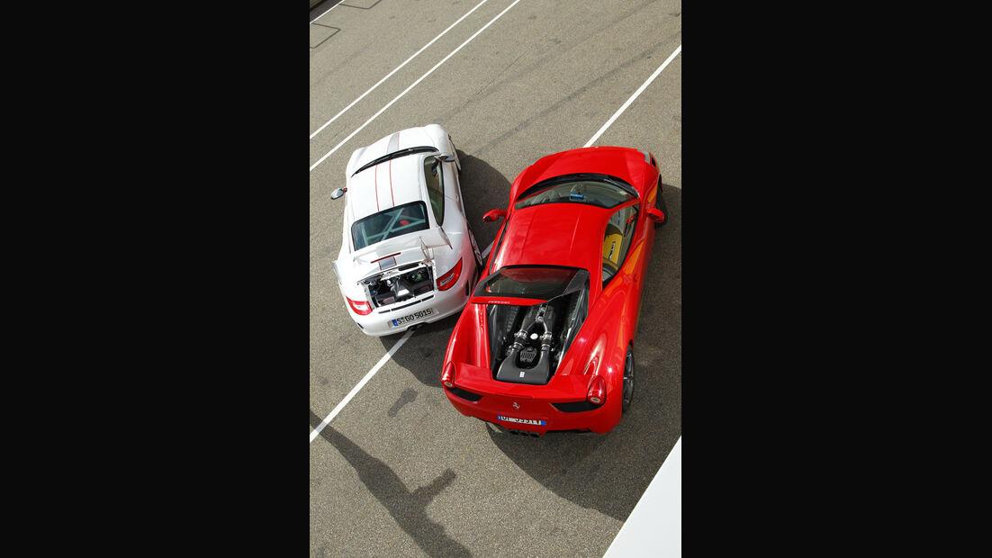 Ferrari 458 Italia, Porsche 911 GT3 RS 4.0, Luftbild, Motorhaube