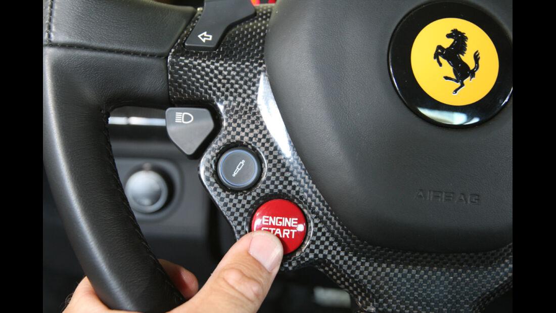 Ferrari 458 Italia, Startknopf
