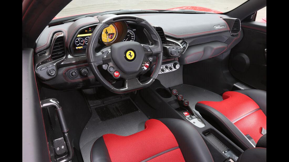 Ferrari 458 Speciale, Cockpit