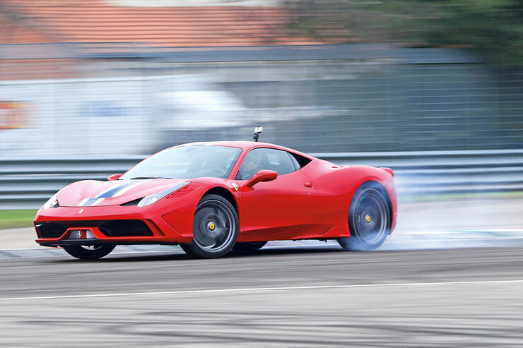 Ferrari 458 Speciale, Seitenansicht, Driften