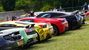 Ferrari 458 Speciale, Sportwagen, Parkplatz