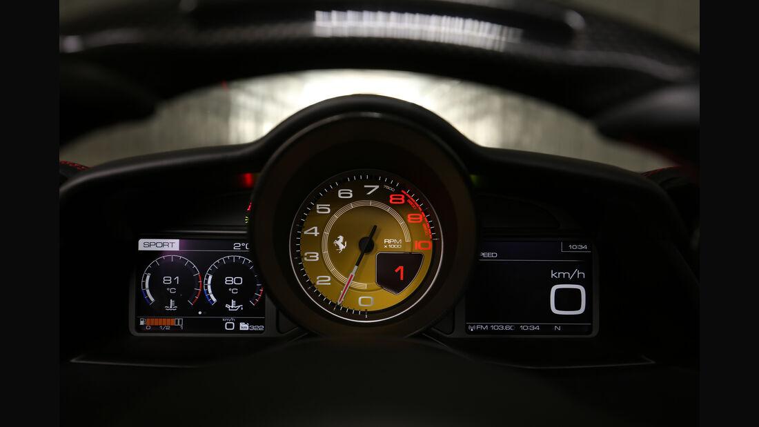 Ferrari 488 GTB, Anzeigeinstrument