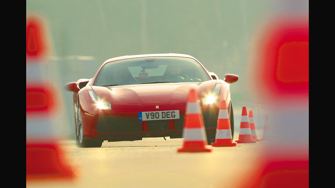 Ferrari 488 GTB, Frontansicht, Slalom