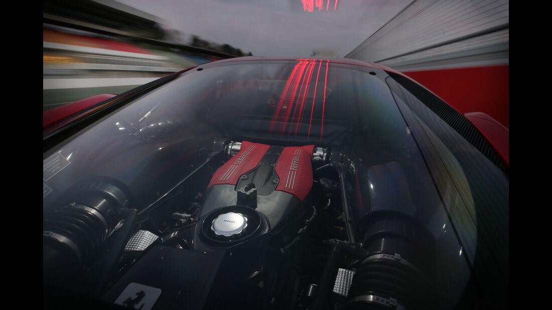 Ferrari 488 GTB, Heckscheibe