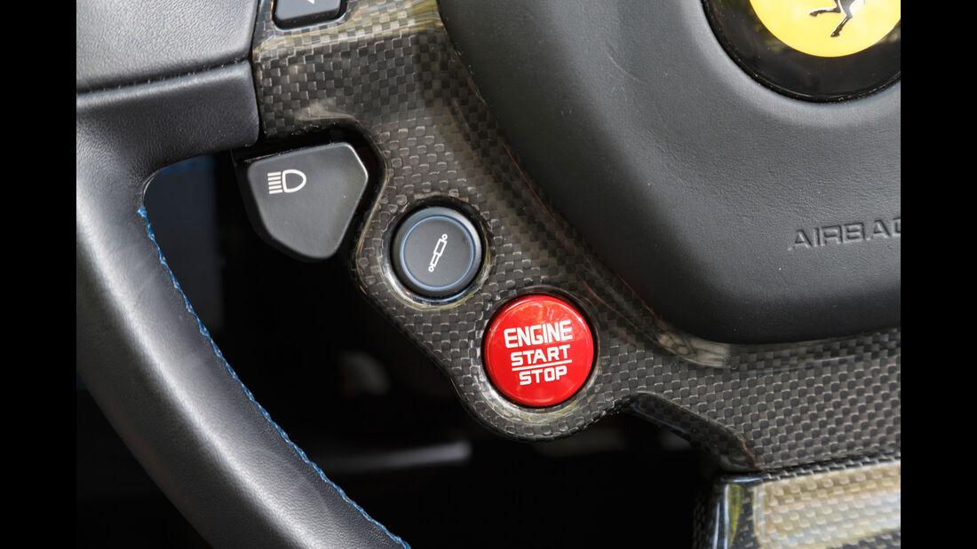Ferrari 488 Spider, Bedienelemente