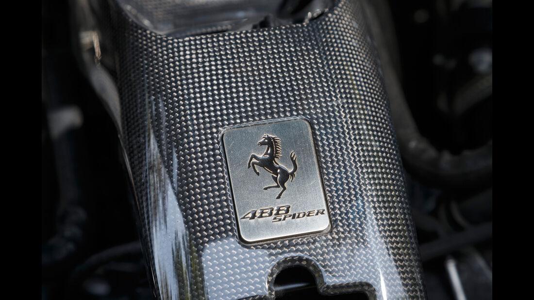 Ferrari 488 Spider, Emblem