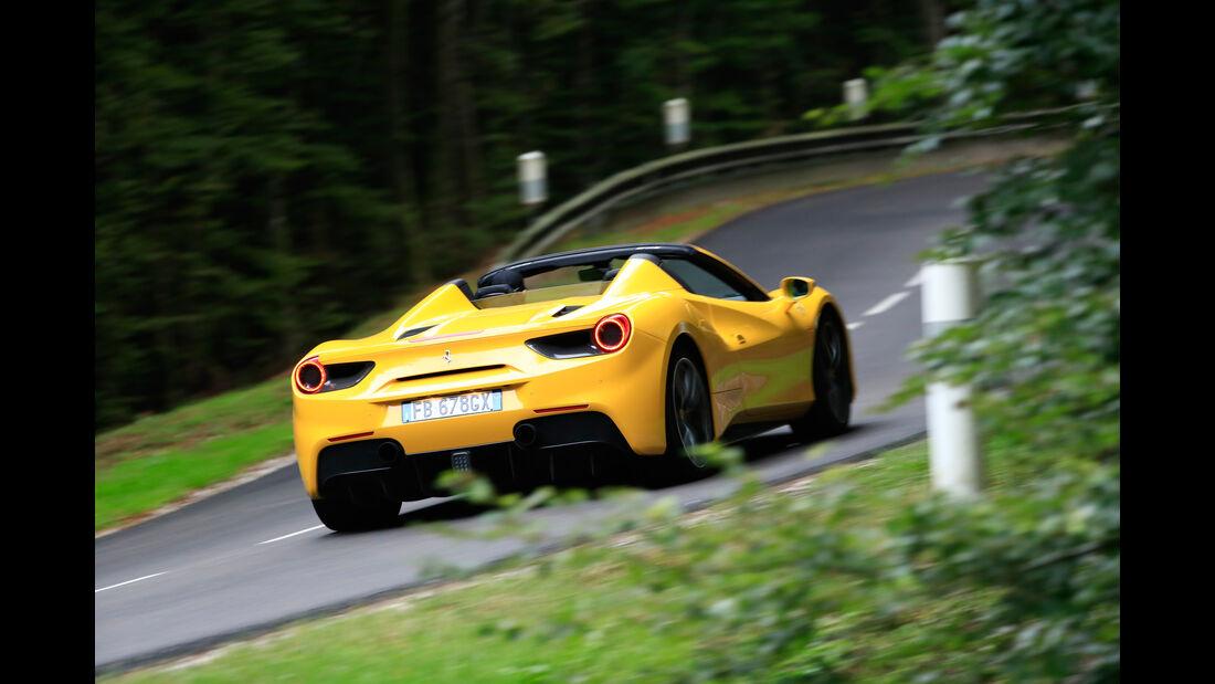 Ferrari 488 Spider, Heckansicht