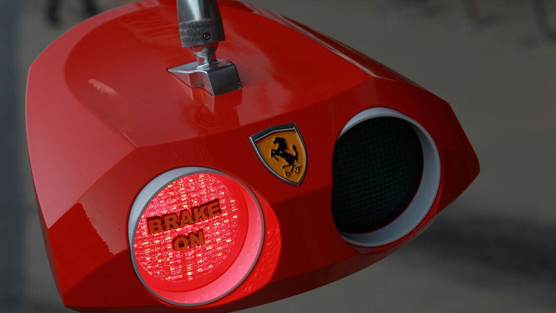 Ferrari Boxenampel 2012