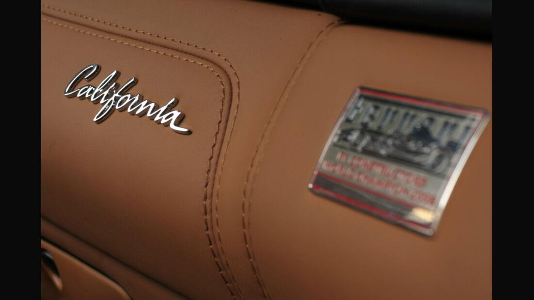 Ferrari California California-Emblem