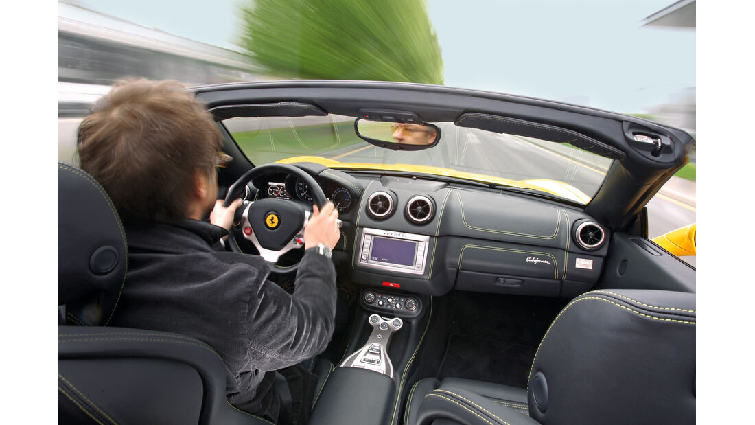 Ferrari California, Cockpit