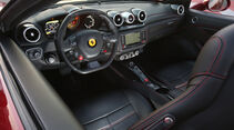 Ferrari California T, Cockpit