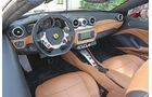 Ferrari California T, Cockpit