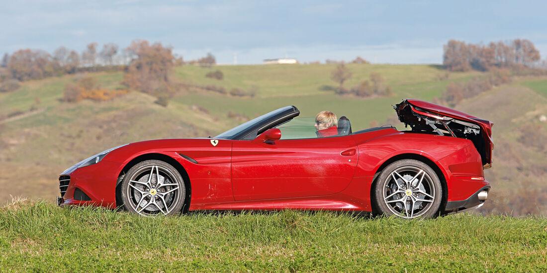 Ferrari California T, Seitenansicht, Verdeck öffnet