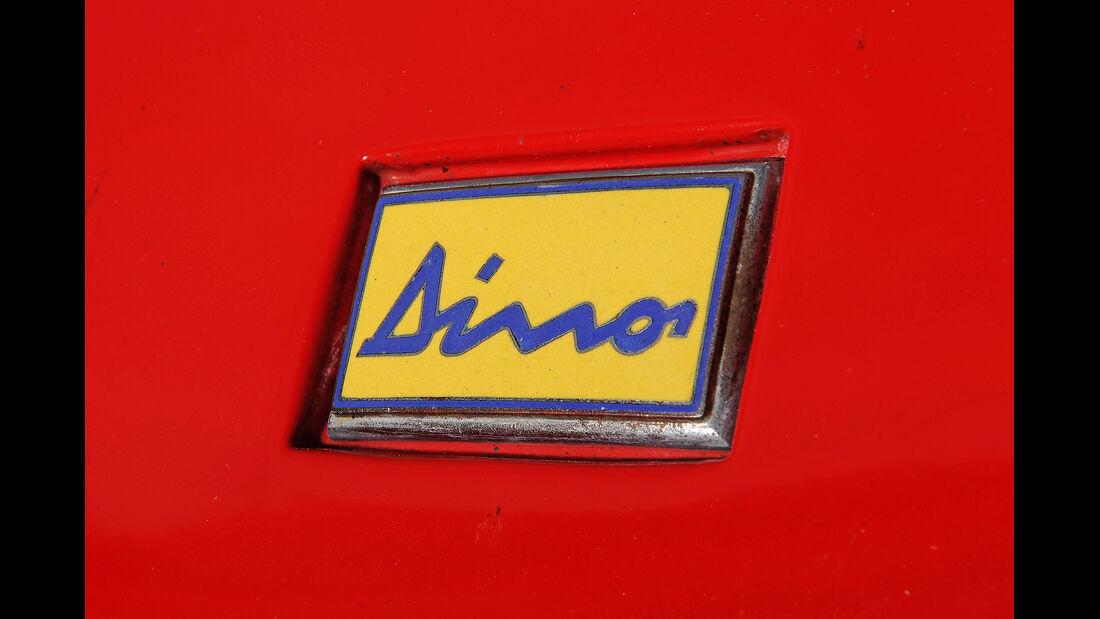Ferrari Dino 246 GTS, Typenbezeichnung, Emblem