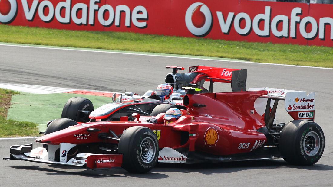 Ferrari F10 - McLaren MP4-25 - Alonso - Button - F1 2010