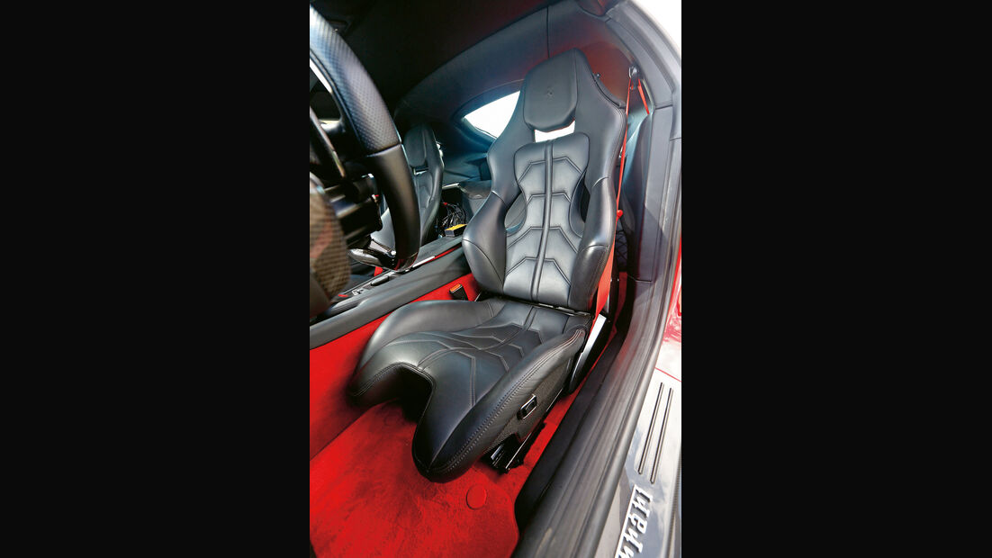 Ferrari F12 Berlinetta, Fahrersitz, Sportsitz
