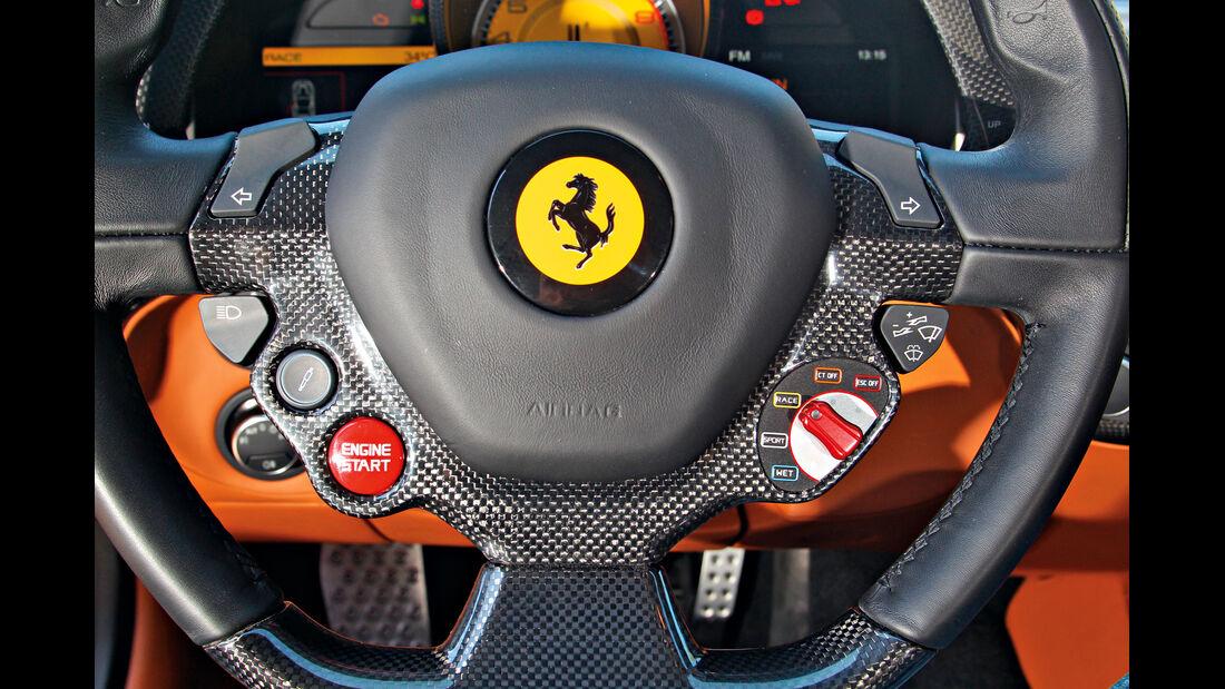 Ferrari F12 Berlinetta, Lenkrad