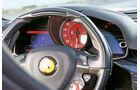 Ferrari F12 Berlinetta, Rundinstrumente